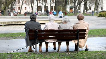 Trzynastki nie pomagają? Zadłużenie emerytów mocno w górę. To już 6 mld zł