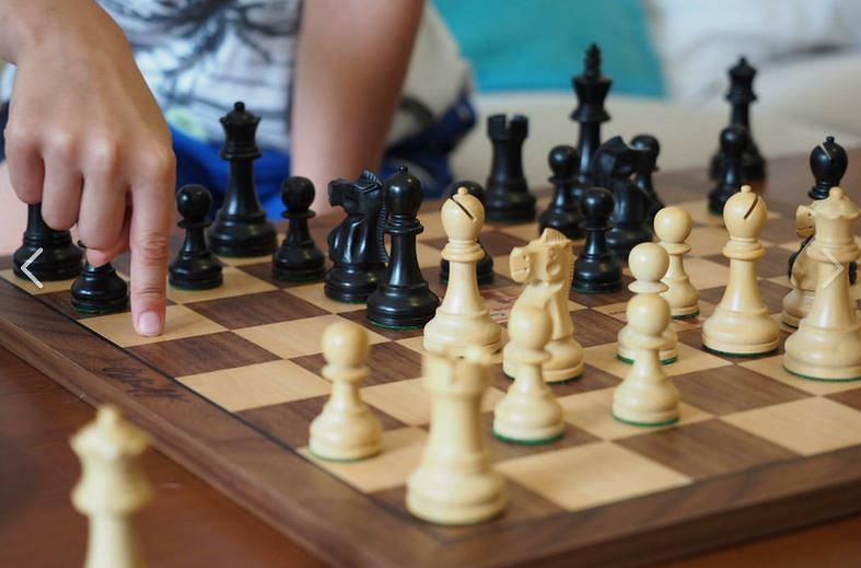 'Pierwszy ruch' szkoła nauki gry w szachy dla dzieci