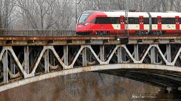 Most kolejowy linii średnicowej