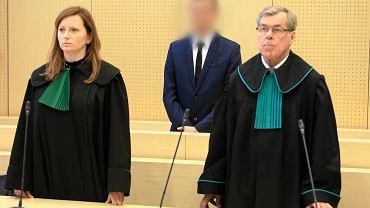 Adam Z. (w środku) uniewinniony od zarzutu zabójstwa Ewy Tylman