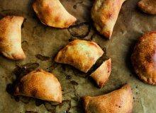 Pieczone pierogi z soczewicą i żurawiną - ugotuj