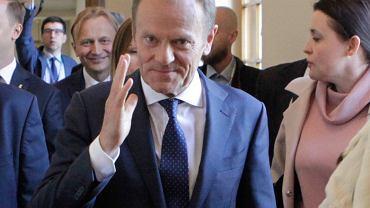 Poznań. Donald Tusk, przewodniczący Rady Europejskiej, przed wystąpieniem na stulecie Uniwersytetu Poznańskiego