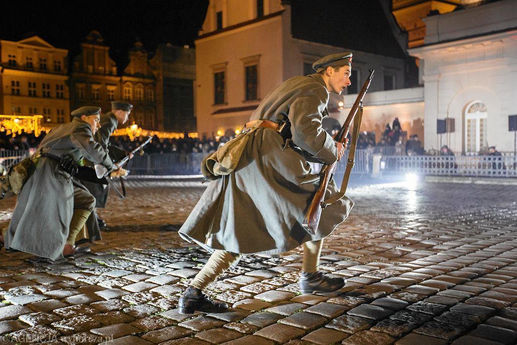 27 grudnia 2017 r. Obchody 99. rocznicy wybuchu powstania wielkopolskiego na Starym Rynku w Poznaniu / JĘDRZEJ NOWICKI