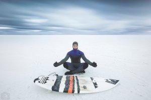''Lost at Sea - The Baltic? - dokument o miłości do surfingu tysiące kilometrów z dala od oceanu