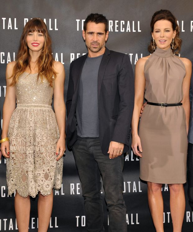 """Actors Jessica Biel, left, Colin Farrell, and Kate Beckinsale attend the """"Total Recall"""" photo call on Saturday, July 28, 2012, in Los Angeles. (Photo by John Shearer/Invision/AP)"""