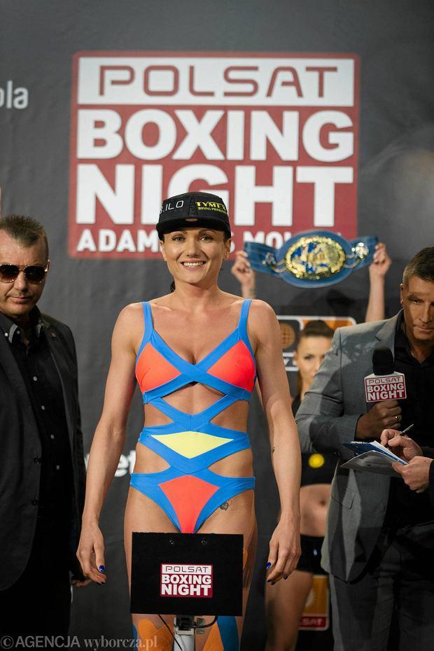 Zdjęcie numer 0 w galerii - Kosmiczny strój Brodnickiej, groźne spojrzenia, preżenie muskułów, tatuaże, czyli ważenie przed Polsat Boxing Night [ZDJĘCIA]