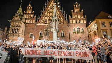 Manifestacja przeciwko polityce Zbigniewa Ziobry wobec sędziów