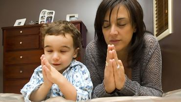 W jakim stopniu kontakt z wiarą w dzieciństwie decyduje o religijności w dorosłości?