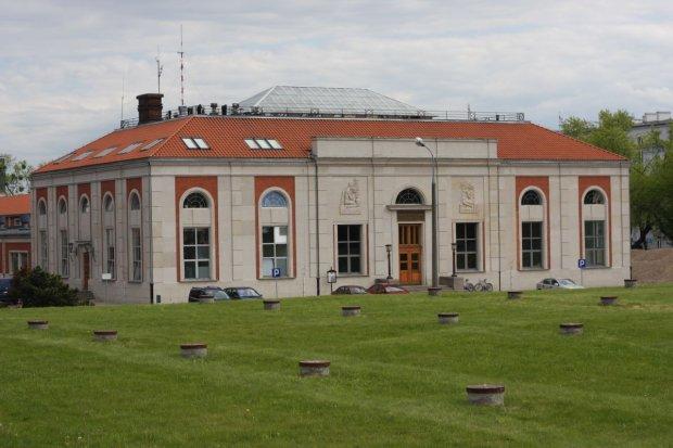 Zakład Filtrów Pospiesznych z 1933 roku, w tym miejscu znajdowało się laboratorium, w którym pracowała Madzia Karwowska