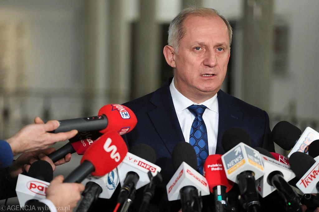 Sławomir Neumann podczas konferencji prasowej w Sejmie