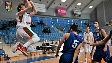 Mateusz Szczypiński, koszykarz MKS-u Dąbrowa