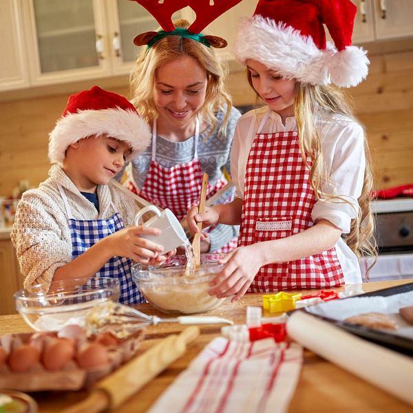 Do świątecznych przygotowań włączcie dzieci - to będzie świetna zabawa i nauka