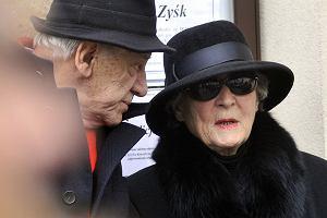 Irena Santor na pogrzebie męża, Zbigniewa Korpolewskiego