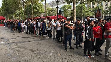 Kolejka po koszulki Neymara, Paryż