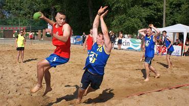 Mecz plażowej piłki ręcznej