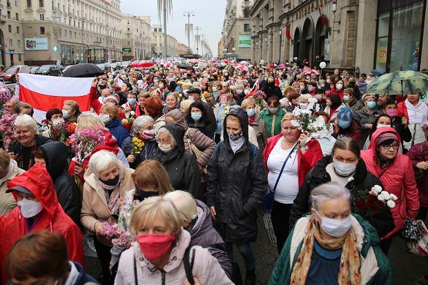 Protesty po sfałszowanych przez Łukaszenkę wyborach prezydenckich. Mińsk, 12 października 2020