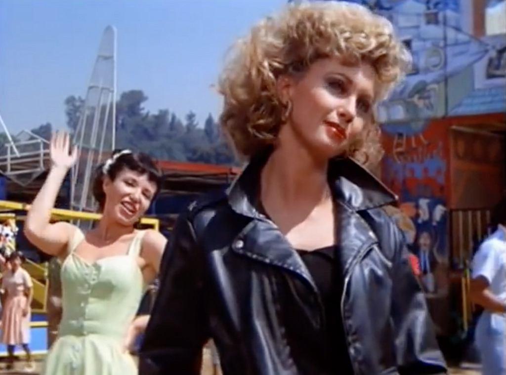 Kurtka i spodnie z filmu Grease na aukcji