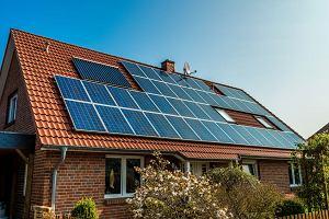 Miliony Polaków mogą wreszcie odliczyć od podatku panele słoneczne. I... dalej dorzucać do kopciuchów