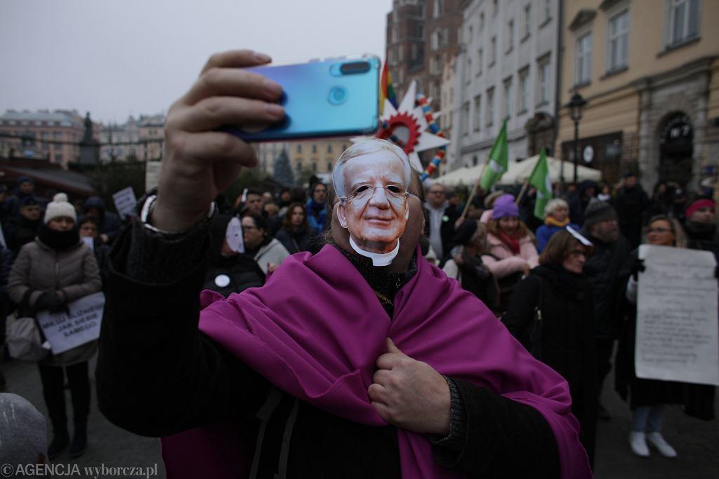 Protest przeciwko arcybiskupowi Jędraszewskiemu