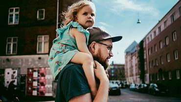 Tata tatusiowie przeciwko randkom z córkami