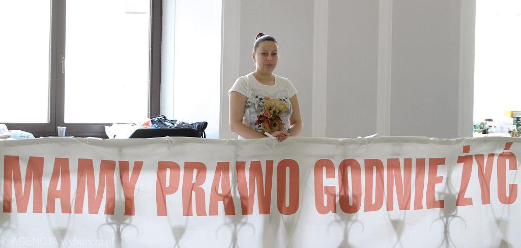 Mama 15 letniego niewidomego Martina, Maja Szulc podczas szesnastego dnia okupacyjnego protestu rodziców dzieci niepełnosprawnych. Warszawa, Sejm, 3 kwietnia 2014