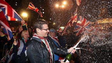 Zwolennicy brexitu świętują na George Square w Glasgow