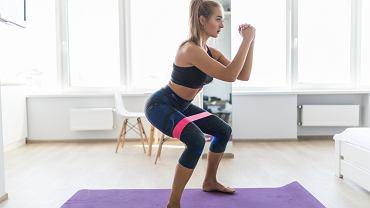 Ćwiczenia na uda. Zdjęcie ilustracyjne