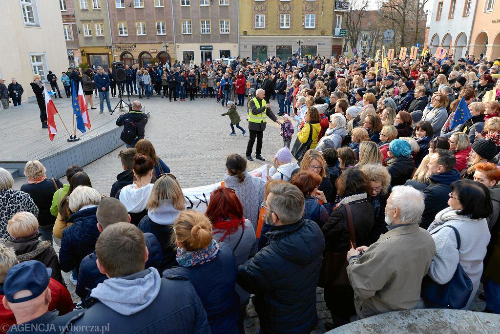 Wiec poparcia dla nauczycieli w Olsztynie