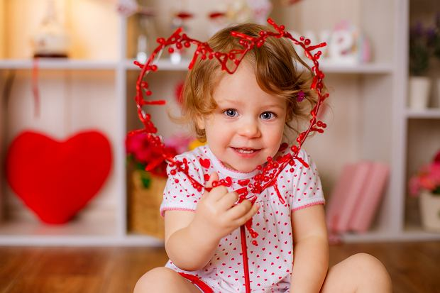 Piosenka na walentynki dla dzieci. Wspólne śpiewanie to świetny sposób na spędzenie tego święta z pociechami
