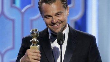 """Złote Globy 2016 - Leonardo DiCaprio z nagrodą za rolę w filmie """"Zjawa"""""""