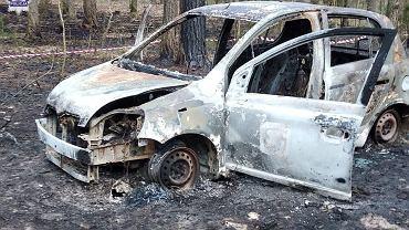 Spalone auto w Annopolu