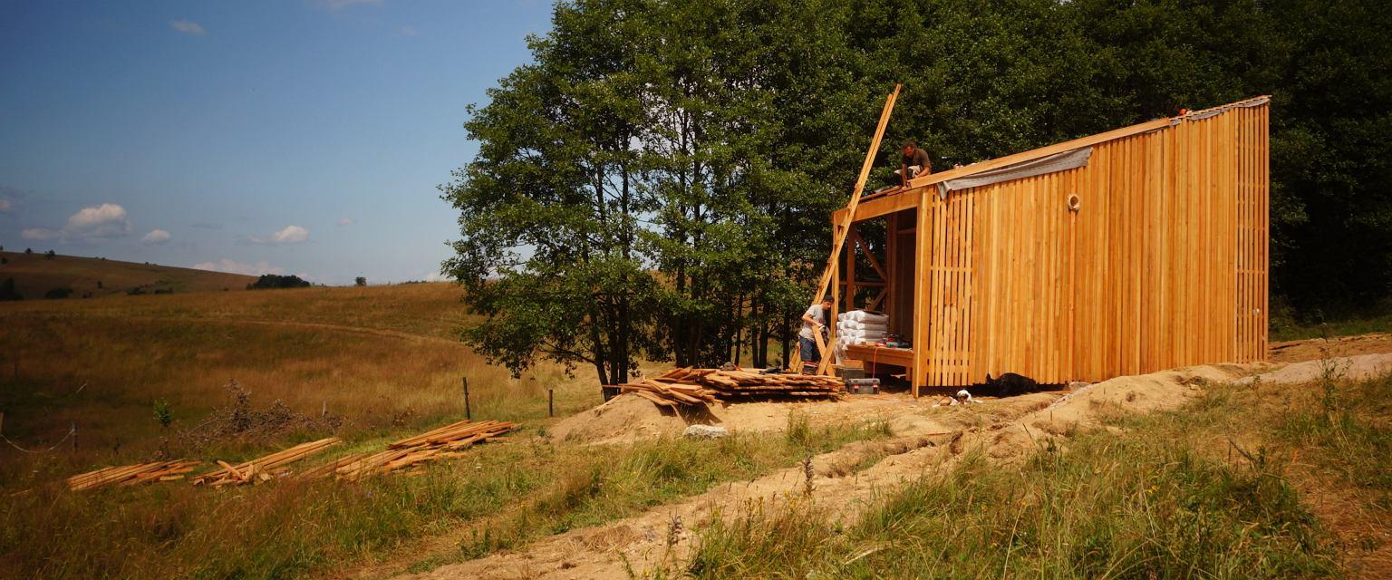 Kto zamieszka w glinianym domu we wsi Potoczek? (fot. materiały prasowe)