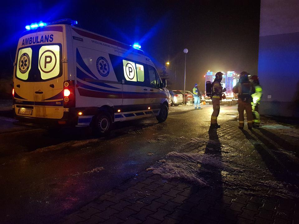Zdjęcie numer 2 w galerii - Tragiczny pożar w Sosnowcu. Jedna osoba nie żyje, cztery ewakuowano