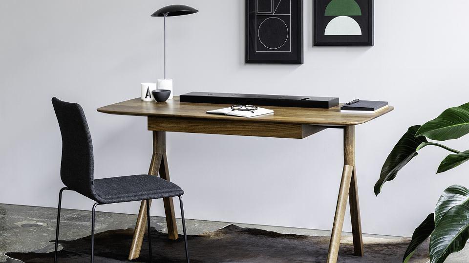 Biurko  z kolekcji Lopp od marki Noti.