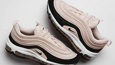Sneakersy Nike z wyprzedaży. Modne propozycje na wiosnę!