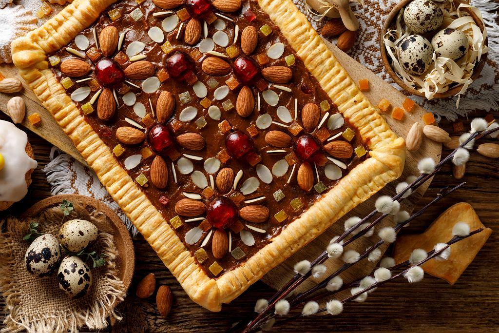 Słodycze na Wielkanoc - wśród nich bez wątpienia króluje tradycyjny mazurek. Zdjęcie ilustracyjne, zi3000/shutterstock.com