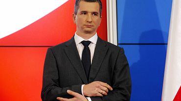 Mateusz Szczurek podczas konferencji prasowej o rekonstrukcji rządu