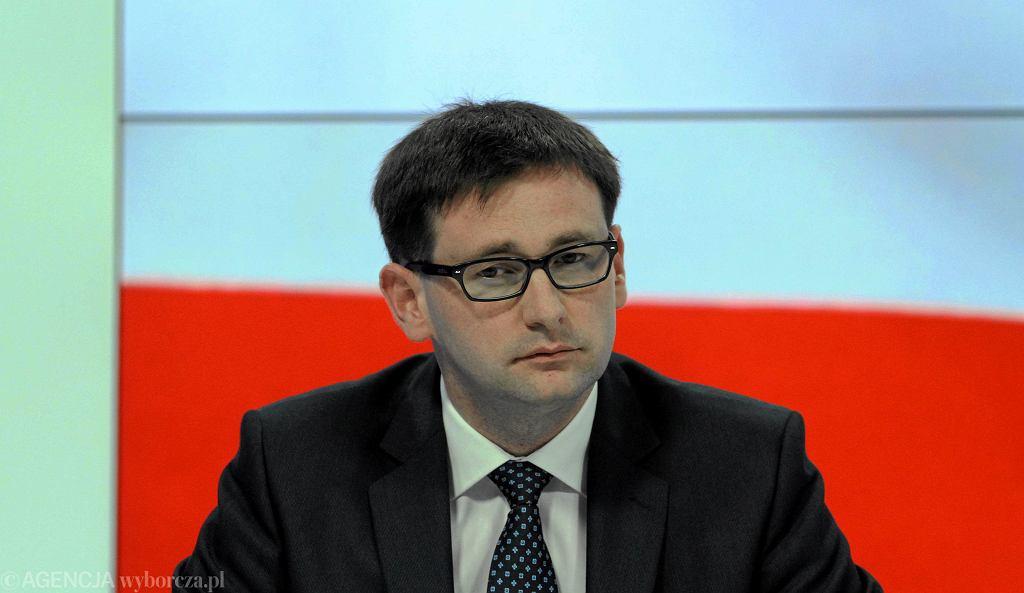 Układ zamknięty - konferencja PiS z udziałem Daniela Obajtka, siedziba PiS przy ul. Nowogrodzkiej w Warszawie, kwiecień 2013 roku