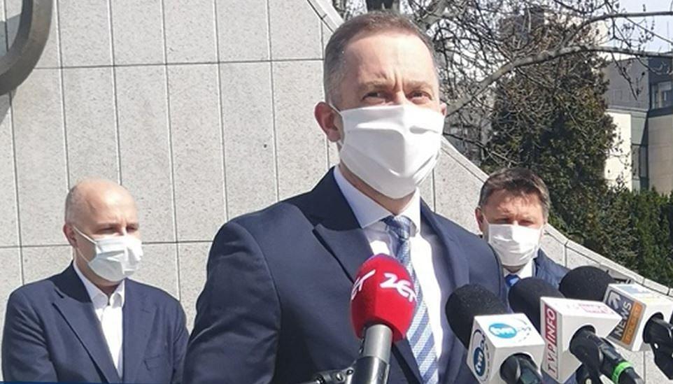 Cezary Tomczyk, Marcin Kierwiński i Robert Kropiwnicki podczas konferencji prasowej.