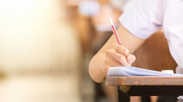Egzamin ósmoklasisty w tym roku szkolnym odbędzie się po raz pierwszy. Sprawdzian na koniec podstawówki już był, ale to jednak co innego - inne zasady, inny materiał. Kiedy odbędzie się egzamin ósmoklasisty 2019?