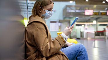 Naukowcy ostrzegają, że paszporty covidowe mogą też przysporzyć szkód