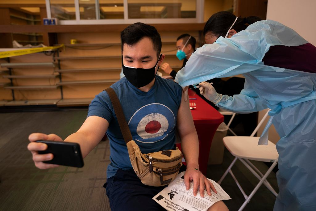 Centrum szczepień w Los Angeles
