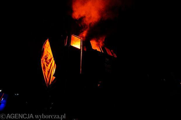 Zdjęcie numer 8 w galerii - Lokomotywa Lecha Poznań przejechała ulicami miasta pod stadion przy Bułgarskiej [ZDJĘCIA]