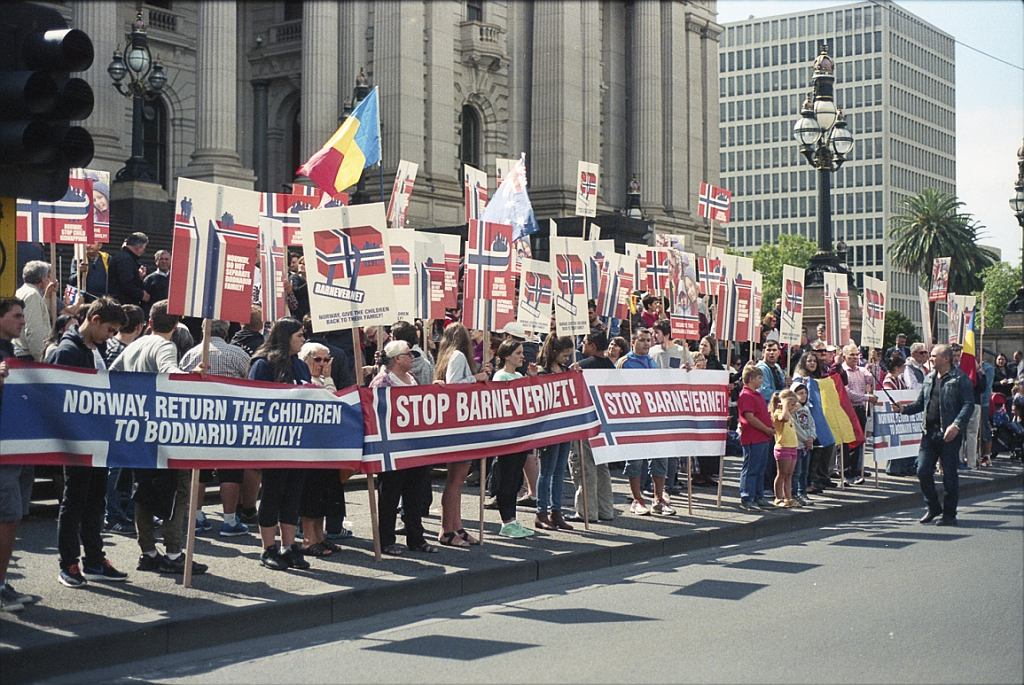 Protest przeciwko Barnevernet w Melbourne w Australii (fot. Nathan Larkin/Flickr/CC BY-ND 2.0)