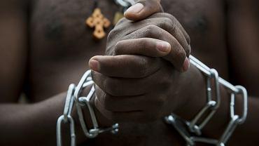 Migranci z Erytrei w Izraelu podczas happeningu w proteście przeciwko przymusowym deportacjom uchodźców i migrantów