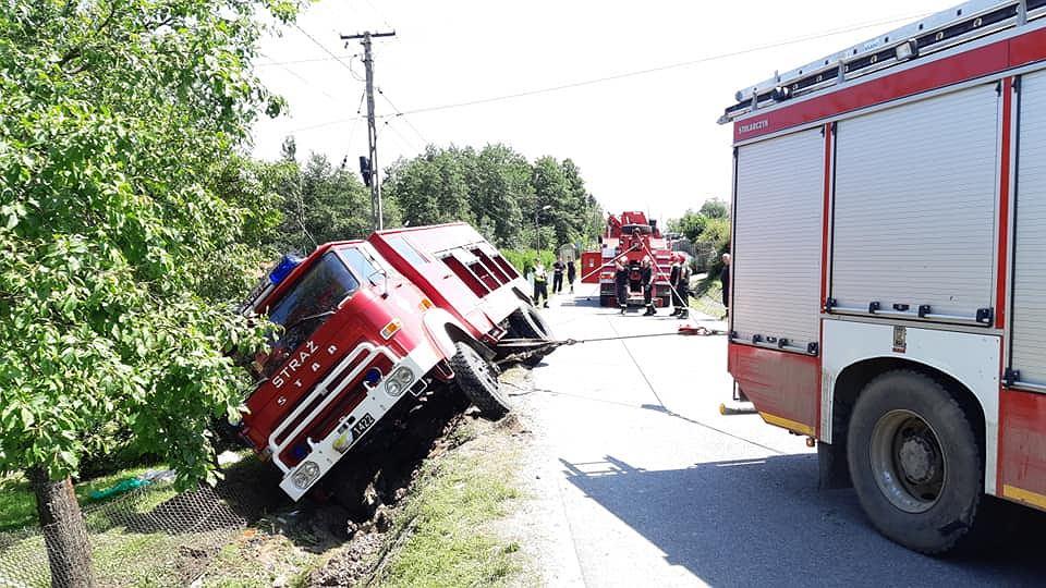 Kierowca volkswagena dwukrotnie uciekł z miejsca kolizji