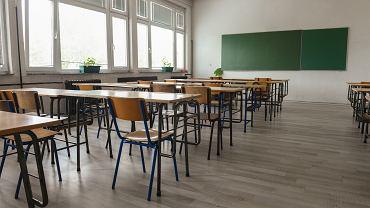 Znikające wytyczne MEiN. Już nie rekomenduje 'parasola ochronnego' dla uczniów
