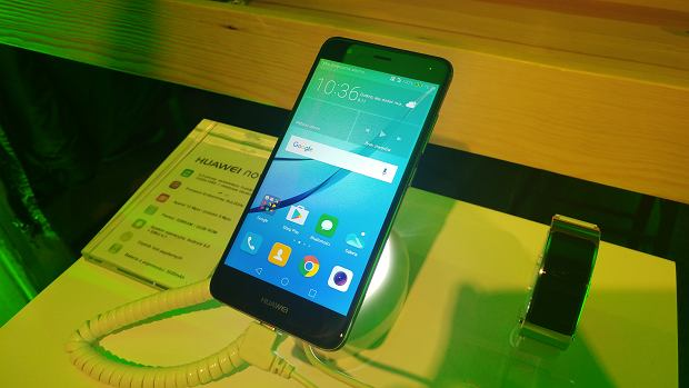 Huawei Nova oraz opaska TalkBand B3