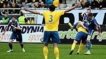 Arka Gdynia - Wisła Płock 0:0. Z numerem 3 na koszulce Krzysztof Sobieraj