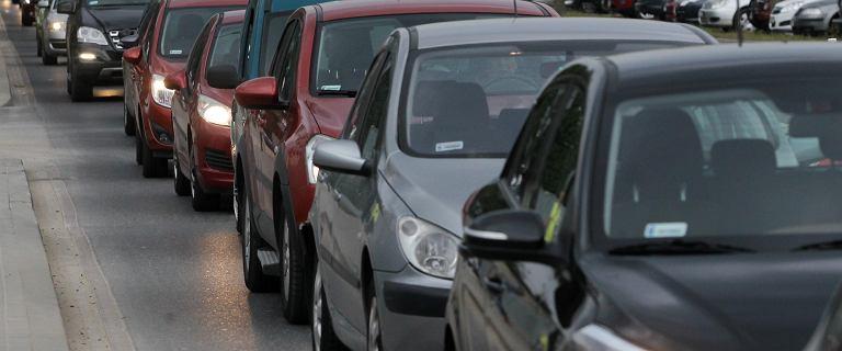 Kto zarabia, a kto traci na produkcji samochodów? Patrzymy na na największe marki
